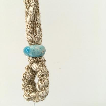 Collana macrame con ceramica raku