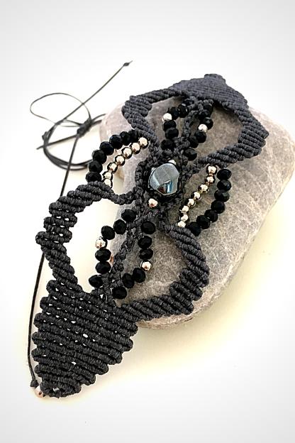 Bracciale con cristalli e pietra ematite